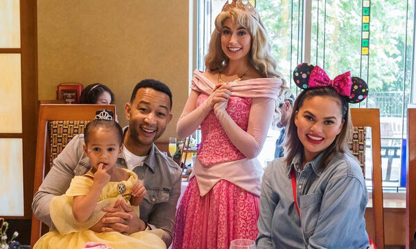 John Legend-Chrissy Teigen: Στη Disneyland με αφορμή τα γενέθλια της κόρης τους (pics)