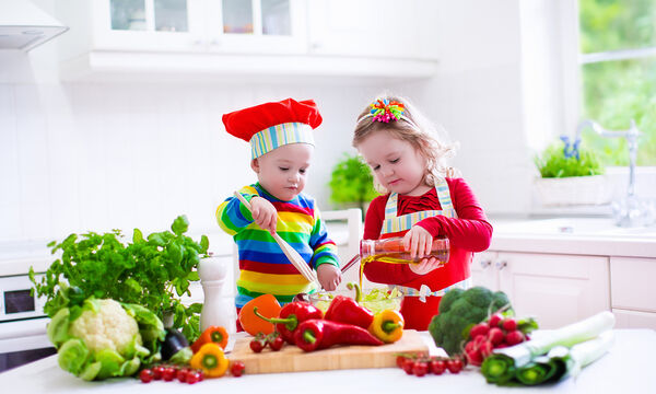 Γιατί τα φρούτα και τα λαχανικά πρέπει να είναι οι πρώτες τροφές των παιδιών μας;