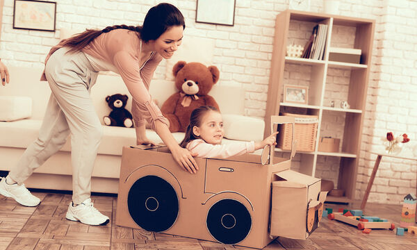 Επιστροφή στο σπίτι μετά τη δουλειά, ώρα να απασχοληθείτε με το παιδί σας