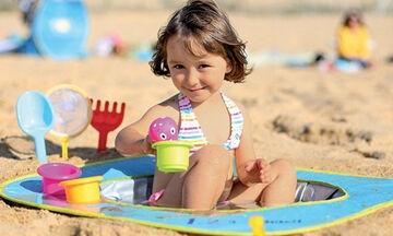 Πισίνα για την άμμο: Παιχνίδι για μωρά στην παραλία