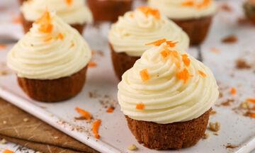 Carrot cake cupcakes - Τα μικρά σας θα ξετρελαθούν
