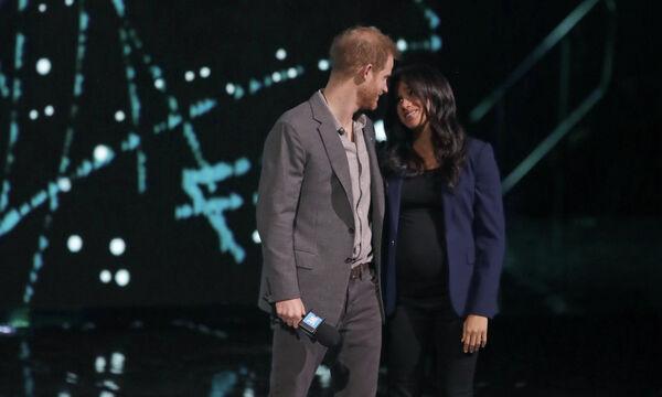 Το μήνυμα της Meghan Markle και του πρίγκιπα Harry κάτω από τις φωτογραφίες της Charlotte (pics)