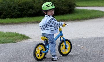 Πώς να βοηθήσετε το παιδί σας να μάθει ποδήλατο