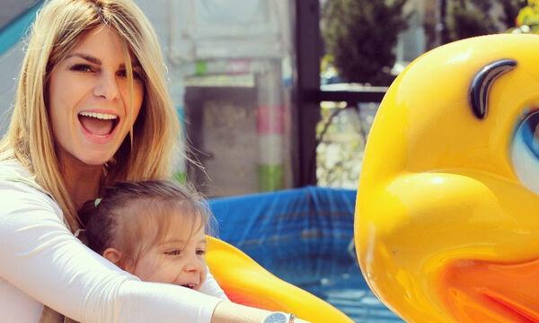 Νατάσα Σκαφίδα: Δείτε τι της κάνει η κόρη της (pics)