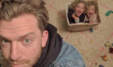 Μπαμπάς με τέσσερις κόρες έχει «τρελάνει» το Instagram με τις αναρτήσεις του (pics)