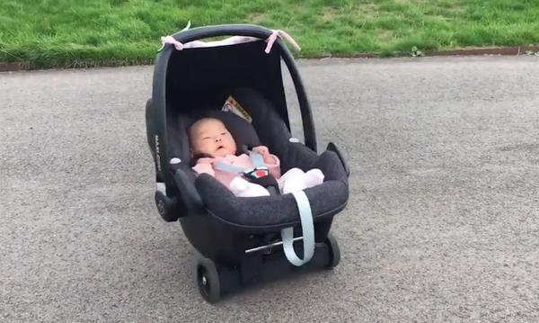 Baby Go-Kart: Δείτε τι έφτιαξε αυτός ο πατέρας για να κάνει βόλτες με το μωρό του! (vid)