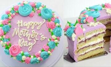 Γιορτή της Μητέρας: Συνταγή για εύκολη τούρτα για να τη φτιάξετε μαζί με τα παιδιά (vid)