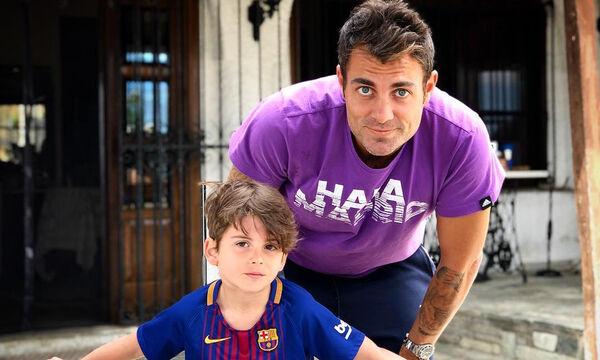 Στέλιος Χανταμπάκης: Ο γιος του γυμνάζεται και μας αφήνει άφωνους (vid+pics)
