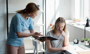 Προετοιμασία των γονιών για τις εξετάσεις των παιδιών: Πώς να καταπολεμήσετε το άγχος σας (vid)