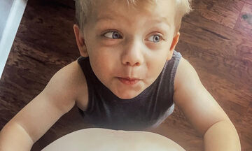 «Ο γιος μου θέλει να μιλήσει στην αγέννητη αδελφή του – Δείτε ποιον τρόπο σκέφτηκε!» (pics)