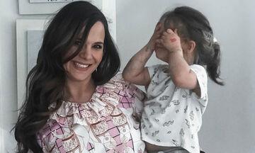 Ελιάνα Χρυσικοπούλου: Δείτε τι κάνει στο μπάνιο με την κόρη της (pics)