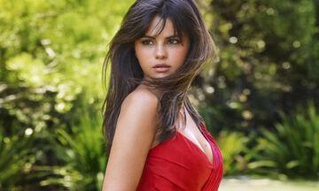 H Selena Gomez μας δείχνει τη μαμά της και είναι μία κούκλα