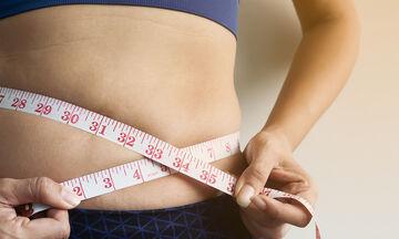 Συμβουλές διατροφής και άσκησης για να απαλλαγείτε από το λίπος στην κοιλιά (vid)