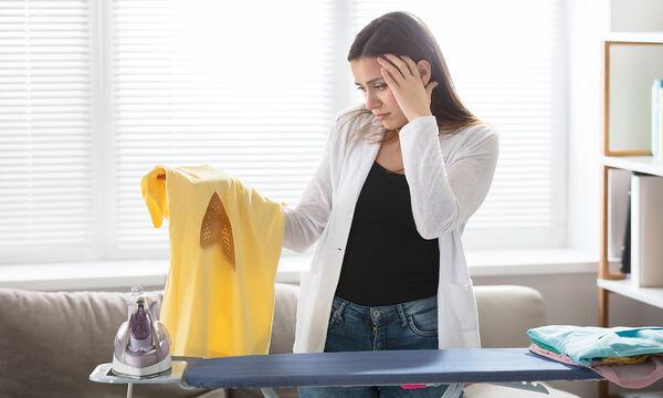 Πώς να καθαρίσετε τον λεκέ από κάψιμο στο σιδέρωμα