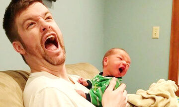 Πολύ γέλιο! Όταν οι μπαμπάδες «προσέχουν» τα μωρά (vid)