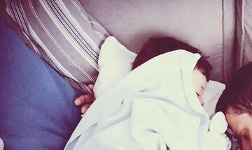Γνωστός ηθοποιός δημοσίευσε αυτή την τρυφερή φωτογραφία με τον γιο του (pics)
