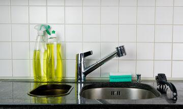 Υγρό πιάτων: 10 πράγματα που μπορείτε να καθαρίσετε εκτός από τα πιάτα σας (pics)