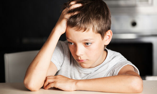 Κατάθλιψη στα παιδιά: 9 συμπτώματα που δεν πρέπει να αγνοήσεις (pics)