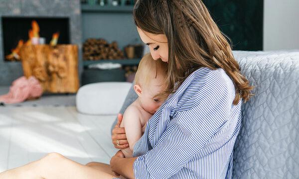 Όταν το μωρό βγάζει δόντια και θηλάζει - Τι να κάνετε για να αποφύγετε το δάγκωμα (pics)