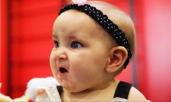 Μωράκια που τρώνε λεμόνι σε slow motion - Ό,τι καλύτερο θα δείτε σήμερα (vid)