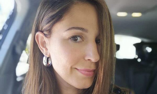 Κατερίνα Παπουτσάκη:  Δείτε που πήγε να θηλάσει τον γιο της (pics)