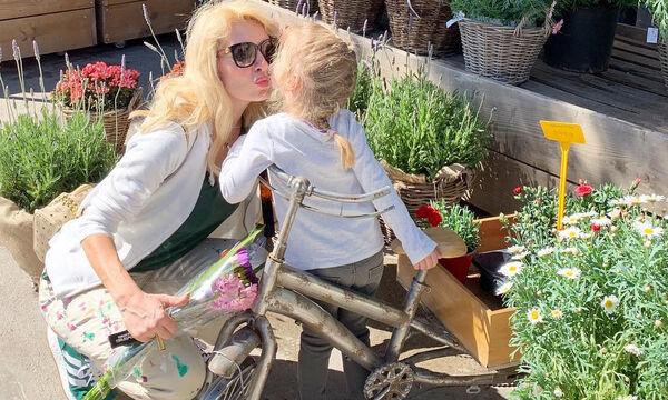Έτσι πηγαίνει η Ελένη στο περίπτερο της γειτονιάς της (pics)