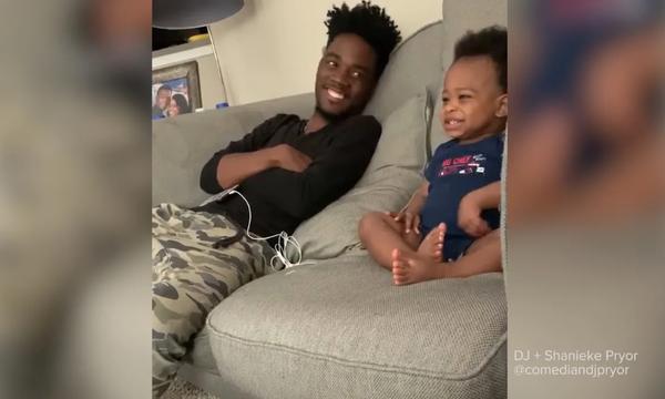 Το βίντεο που έγινε viral! Μπαμπάς κουβεντιάζει με τον μόλις 18 μηνών γιο του (vid)