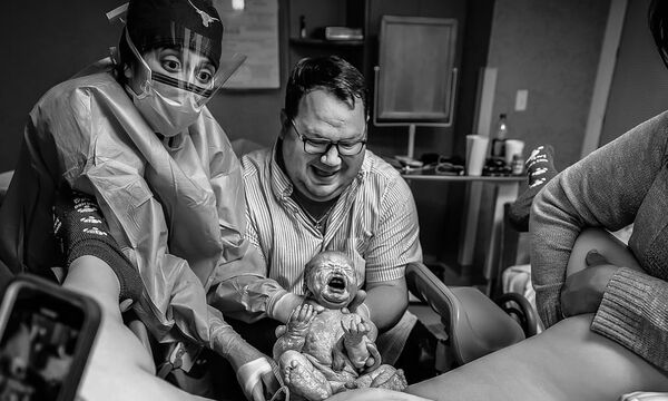 Αυτός ο μπαμπάς έγινε για δεύτερη φορά viral - Ο λόγος; Μοναδικός! (pics)