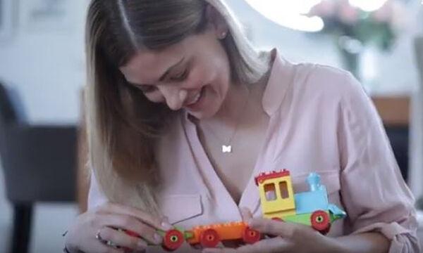 Τα διαχρονικά τουβλάκια LEGO® DUPLO® αγαπιούνται από γονείς και παιδιά (vid)