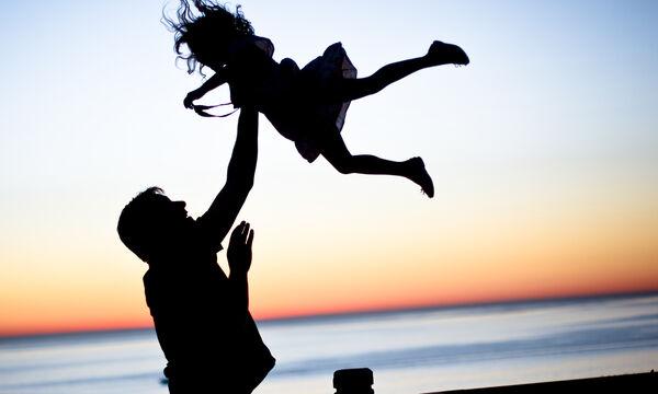 Στους μπαμπάδες που νικάνε τις πιθανότητες καθημερινά, Χρόνια Πολλά