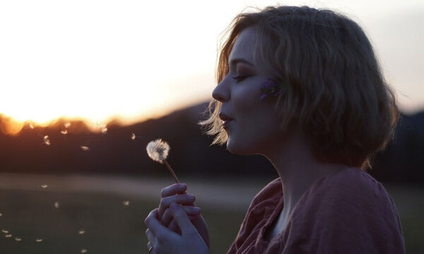 Πέντε συνήθειες που πρέπει να σταματήσεις ASAP, αν αγαπάς τον εαυτό σου!
