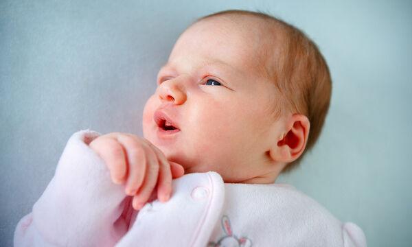 Γιατί τα μωρά κοιμούνται με ανοιχτά τα μάτια;