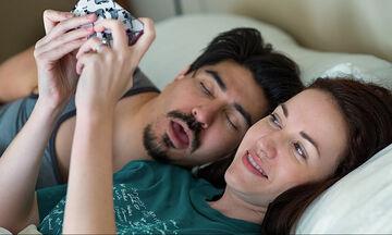 Τα περίεργα πειράγματα που κάνουν τα ζευγάρια μεταξύ τους- Σίγουρα τα κάνετε κι εσείς (vids)
