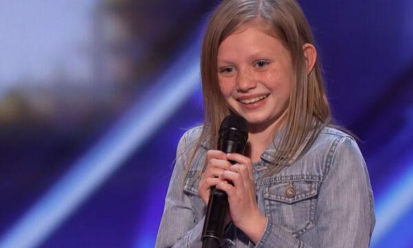 O Simon Cowell ζήτησε από τη 12χρονη που τραγουδούσε να σταματήσει -Δείτε ποια ήταν η συνέχεια (vid)