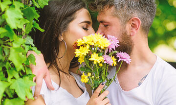 Πώς η περίοδος επηρεάζει την ερωτική επιθυμία της γυναίκας; (vid)
