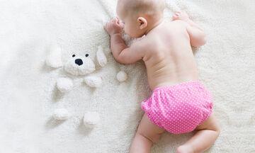 10 αλήθειες για την προσπάθεια (τη δική σου) να πείσεις το παιδί να βγάλει την πάνα