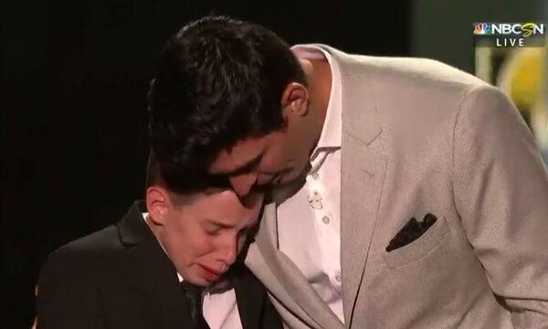 Η μητέρα του έχασε τη μάχη με τον καρκίνο, εκπλήρωσε όμως την τελευταία του επιθυμία (vid)