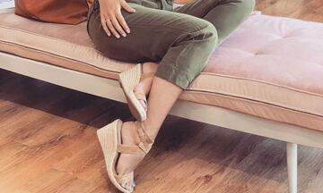 Κι όμως δύο διάσημες Ελληνίδες μαμάδες φόρεσαν το ίδιο ζευγάρι παπούτσια - Δείτε ποιες είναι (pics)