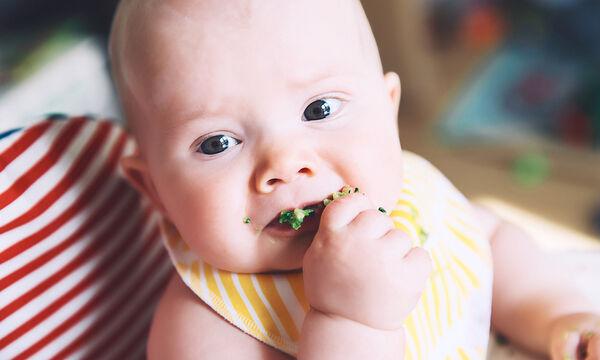 Το πρώτο του finger food: 10 τρόφιμα που μπορεί να φάει μόνο του το μωρό (pics)