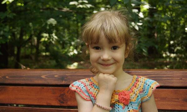 Φτιάξτε καλοκαιρινά βραχιολάκια παρέα με την κόρη σας (pics+vid)