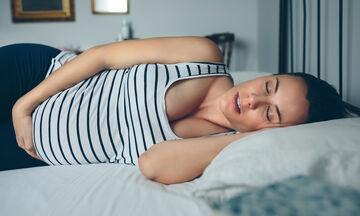 Οι καλύτερες θέσεις ύπνου στην εγκυμοσύνη (pics)
