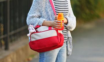 Όλα όσα πρέπει να έχετε στην τσάντα αλλαξιέρα του μωρού σας (pics)