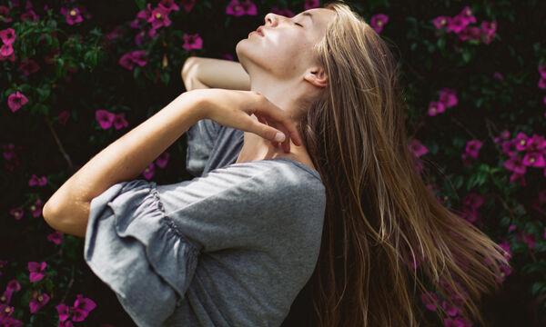 Πώς θα καταφέρετε να μακρύνετε τα μαλλιά σας