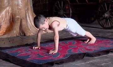 Δείτε τι κέρδισε αυτός ο 6χρονος κάνοντας 3.720 κάμψεις σε δύο ώρες (vid)