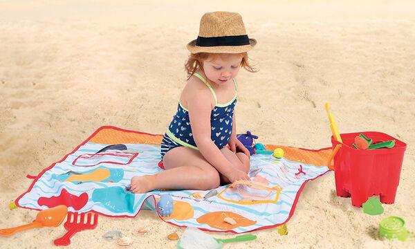 Χαλάκι δραστηριοτήτων για παιδιά στην παραλία