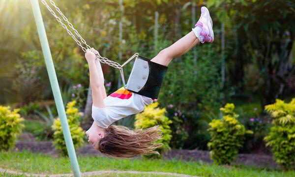 Κοριτσίστικη κούνια για ατελείωτο παιχνίδι στο μπαλκόνι και όχι μόνο