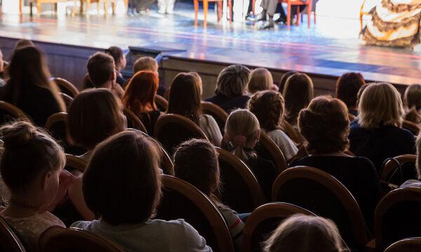 «Ο Κατακλυσμός» - Η νέα θεατρική μουσικό-χορευτική παράσταση στο θέατρο Γκλόρια
