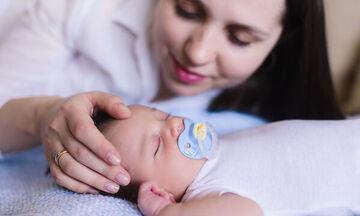 Πέντε πράγματα που μπορείτε να κάνετε όταν το μωρό σας κοιμάται (vid)