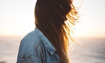 Σπρέι μαλλιών για να ενυδατώνεις τις άκρες σου