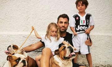 Στέλιος Χανταμπάκης: Δε φαντάζεστε με τι παίζει ο γιος του στις διακοπές (pics)
